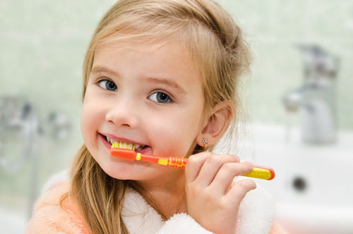 Tips For Teaching Your Kids How To Brush Their Teeth [video]