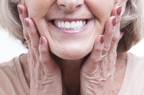 Dental Implants Vs. Traditional Dentures [infographic]