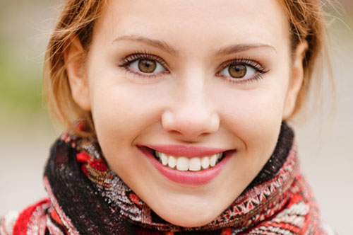 Teeth Whitening: Dramatically Brighten Your Smile (infographic)